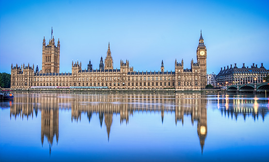 Palace_of_Westminister_reflection-555