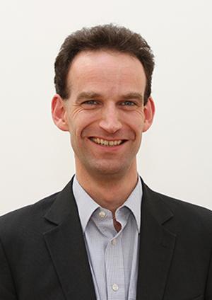 Mark-Holmes-portrait